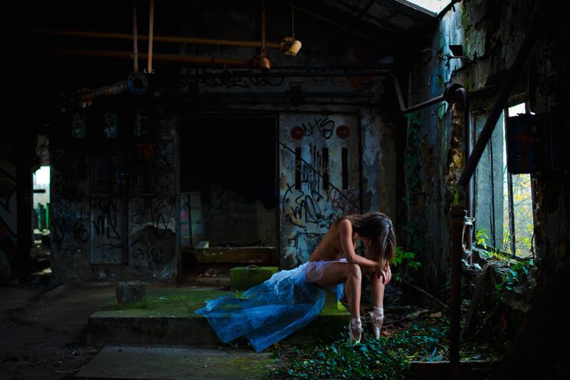 Danseuse nue : danse nue et lieux abandonnés – Nu artistique et urbex